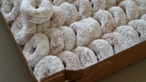Powdered donuts at Bowers Farm